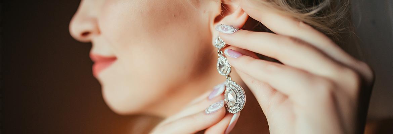 Les bijoux : des accessoires incontournables pour rehausser sa tenue